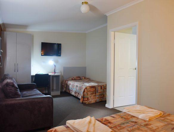 mia motel 026